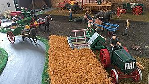 Fem centimeter høje minifigurer fortæller 120 års landbrugshistorie